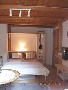 Betten in elektrosmogarmer Ferienwohnung in Landsberg