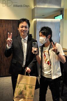 村山博之・元プロ(左)と鈴木さん(右) ※この写真は3ヶ月前のものです