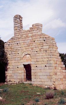 Figari chapelle Saint-Jean-Baptiste XIIe s.(cl.MH)