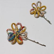 ちりめん和風ヘアピン からし 花結び飾り結びメドゥプ