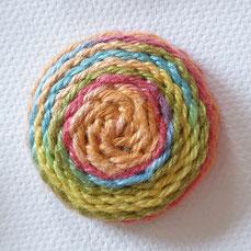 Handgemachte Wirbelknöpfe aus mercerisierter Baumwolle