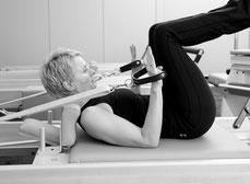 Individuelles Pilates-Training mit dem Reformer