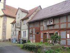 Schindelhaus links: Ehemals Haus Speier