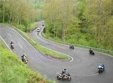 Serpentine fahren für Motorradfahrer