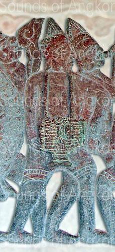 ambours en tonneau avec décor lotiforme. Angkor Vat, Galerie nord. Victoire de Krishna sur l'Asura Bāna. XVIe s.
