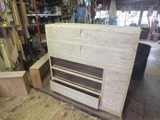 新しく作った前板に引出本体をくっつけ完成させ本体に仕込みました。