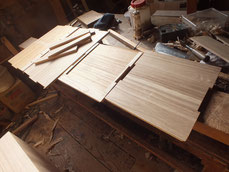 桐整理箱のパーツの側板、天板、棚板、底板を作りました。