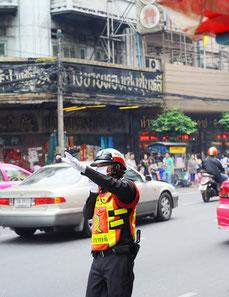 Thailändischer Straßenpolizist