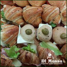 panini piccoli, cornetti salati, sfizioserie salate, catering ecc..