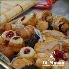 dolci tipici dell'antica pasticceria tradizionale napoletana ad Ischia