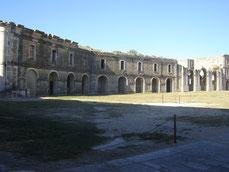 la place d'armes (12 000 m²)