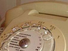 """Cadran de téléphone avec mention : """"Renseignements 12"""""""