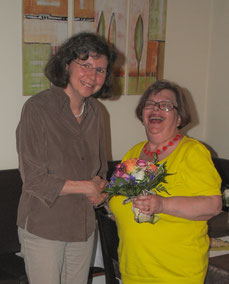 Doris Honosch wird von Sibylle Strobel aus dem Vorstand verabschiedet
