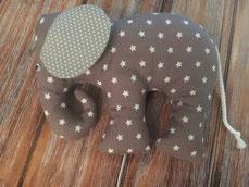 Elefant mit Knisterohr