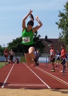 Magdalena Niederhofer: In drei der vier Disziplinen schockte sie ihre Konkurrenz mit Tagesbestleistungen. 13,99sec über 100m, 4,67m im Weitsprung und 1,40m im Hochsprung. Wie Dominik Mayr beherrscht sie seit Jahren die Mehrkampfscene.