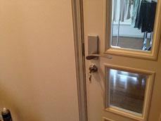 このドアにも補助鍵をつけました