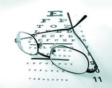 Sehtesttafel mit Brille
