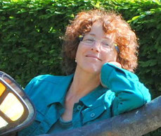 Johanna Neukirch ist Autorin für spirituelle Texte