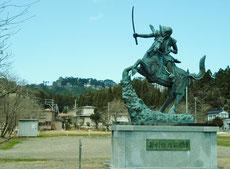 上杉謙信公の銅像