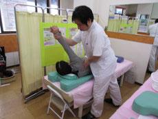 小倉北区のサクマ整骨院の治療風