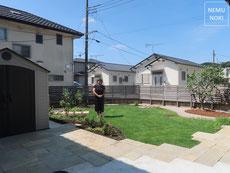 エイジングペイブ、ポルフィード、高麗芝、固まる土、花壇、ガーデンエッジ、イタウバ、施工例