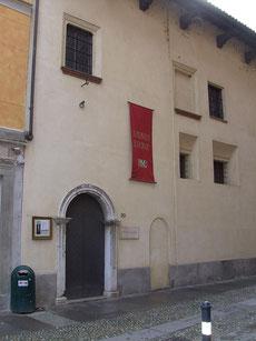Casa Alciati - Ingresso da Via Verdi 30