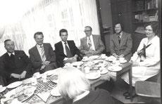 Konferenz mit Kirche und Politik ca. 1980. Damals sahen alle noch in eine beständige Zukunft.