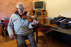 One of the  best known musician from Feakle is a fiddle player Vincent Griffin.