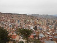 La Paz - von A nach B geht's immer rauf und runter - mit unendlich vielen Serpentinen