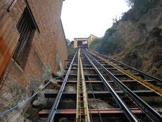Um schneller auf die Hügel zu kommen wurden Aufzüge gebaut