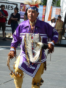 """Auch am Aboriginal Fest trommelt und tanzt vor allem die """"First Nation""""."""