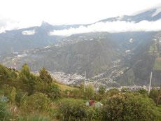Banos liegt unten im Tal...