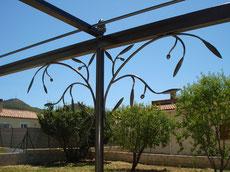 pergola treille tonnelle olivier branche végétal fer forge bormes les mimosas lavandou hyères toulon var ferronnerie art ferronnier forgeron by thibault KLUKASZEWSKI with forge et style