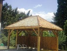 Überdachung mit Holzschindel