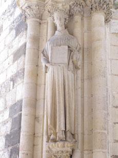 Cathédrale de Bourges - Portail sud - St Étienne tenant l'abaque