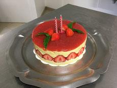 gâteau fraisier fait et  servi aux Cabanes de La Chaussée