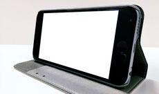 スタンドとして使用でき、動画の視聴に最適