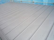 縦葺のガルバリウム鋼板