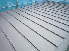 縦葺のガルバリウム鋼板2