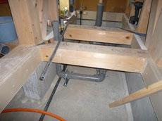 床下の配管工事2