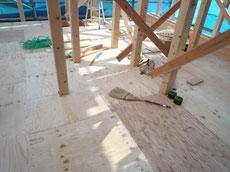 床に構造用合板を張っています2
