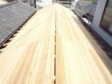 切妻屋根の野地板