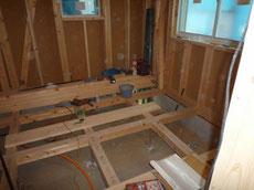 床下の給排水配管1