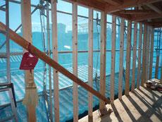 無垢の木でつくる 台東区 木造3階建て耐火建築物 間柱・筋違画像2