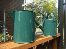 オリジナルオシャレグリーンの如雨露は個人的に気に入っているのでアップ。