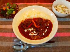 ビーフストロガノフ        (サラダ、スープ)