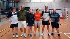 L'équipe vétéran 2 composée de Benoît-Patrick-Katia-Laurence-Stéphane aux côtés de leur capitaine Gilles.