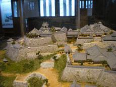 場内の模型で城の構成がよく解る。