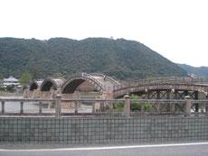 どこから見てもきれいな錦帯橋だが、
