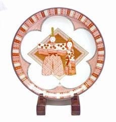九谷焼『飾り皿』赤絵細描立雛文 36cm